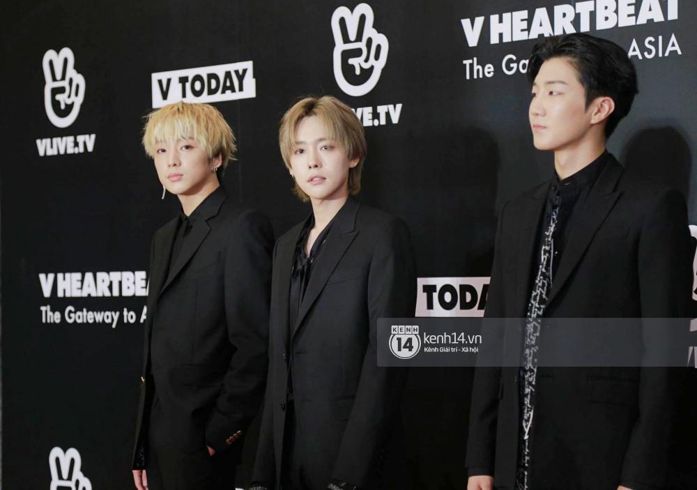 Thảm đỏ đêm nhạc Hàn-Việt: Jung Hae In, WINNER đẹp trai cực phẩm, Chi Pu và Hòa Minzy đọ sắc cùng loạt sao Việt - Ảnh 9.