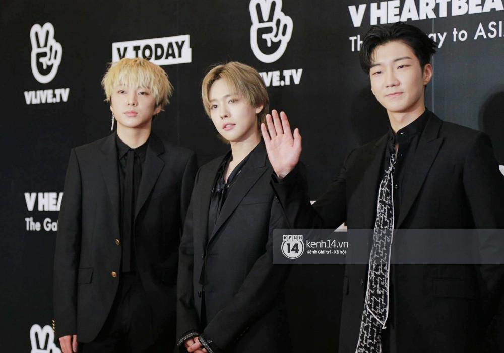 Thảm đỏ đêm nhạc Hàn-Việt: Jung Hae In, WINNER đẹp trai cực phẩm, Chi Pu và Hòa Minzy đọ sắc cùng loạt sao Việt - Ảnh 10.
