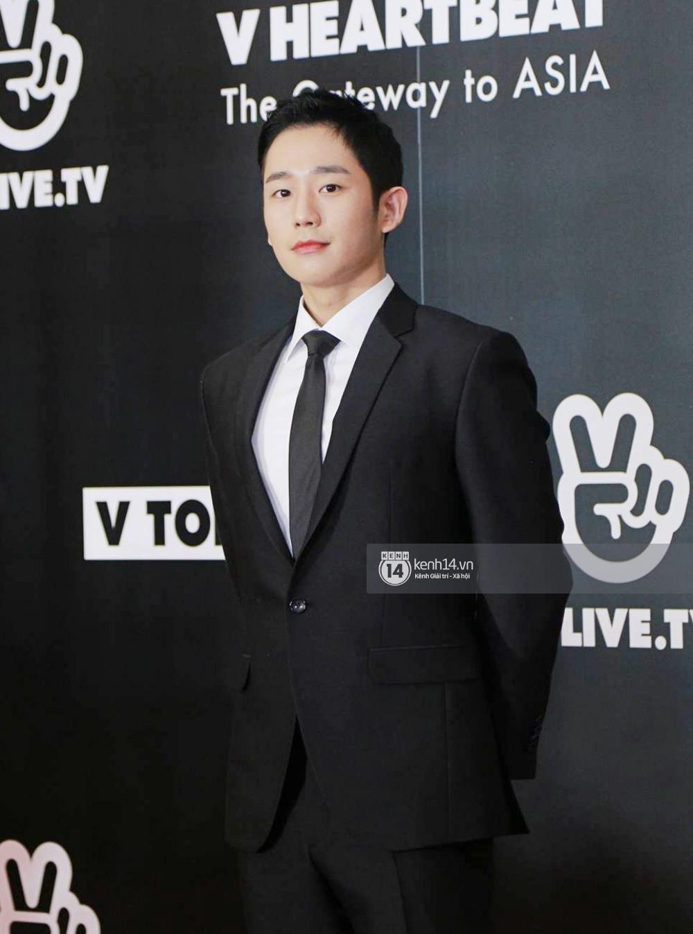 Thảm đỏ đêm nhạc Hàn-Việt: Jung Hae In, WINNER đẹp trai cực phẩm, Chi Pu và Hòa Minzy đọ sắc cùng loạt sao Việt - Ảnh 5.