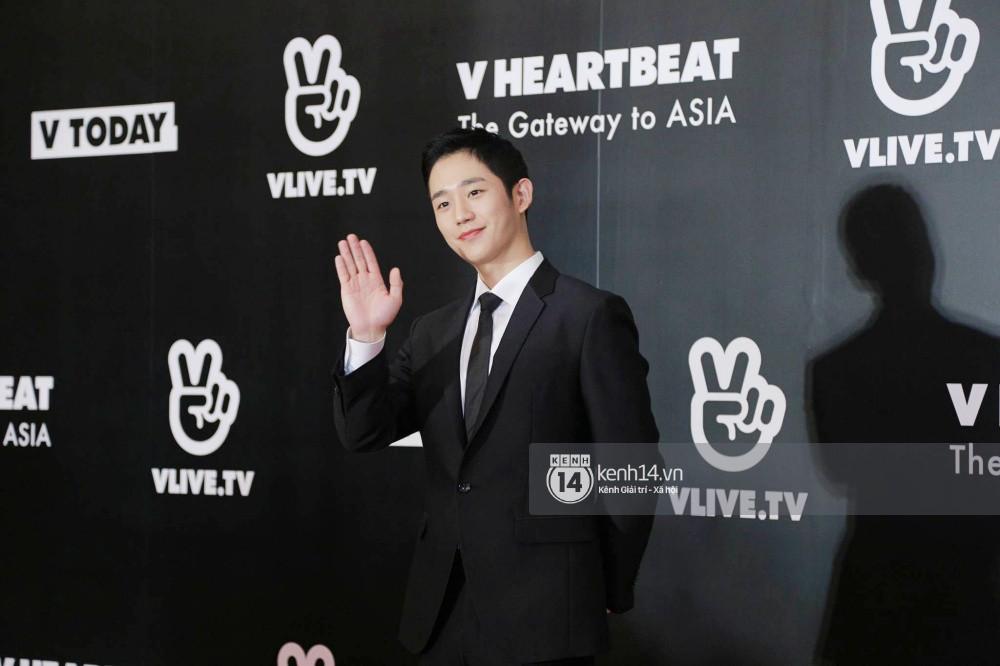 Thảm đỏ đêm nhạc Hàn-Việt: Jung Hae In, WINNER đẹp trai cực phẩm, Chi Pu và Hòa Minzy đọ sắc cùng loạt sao Việt - Ảnh 2.