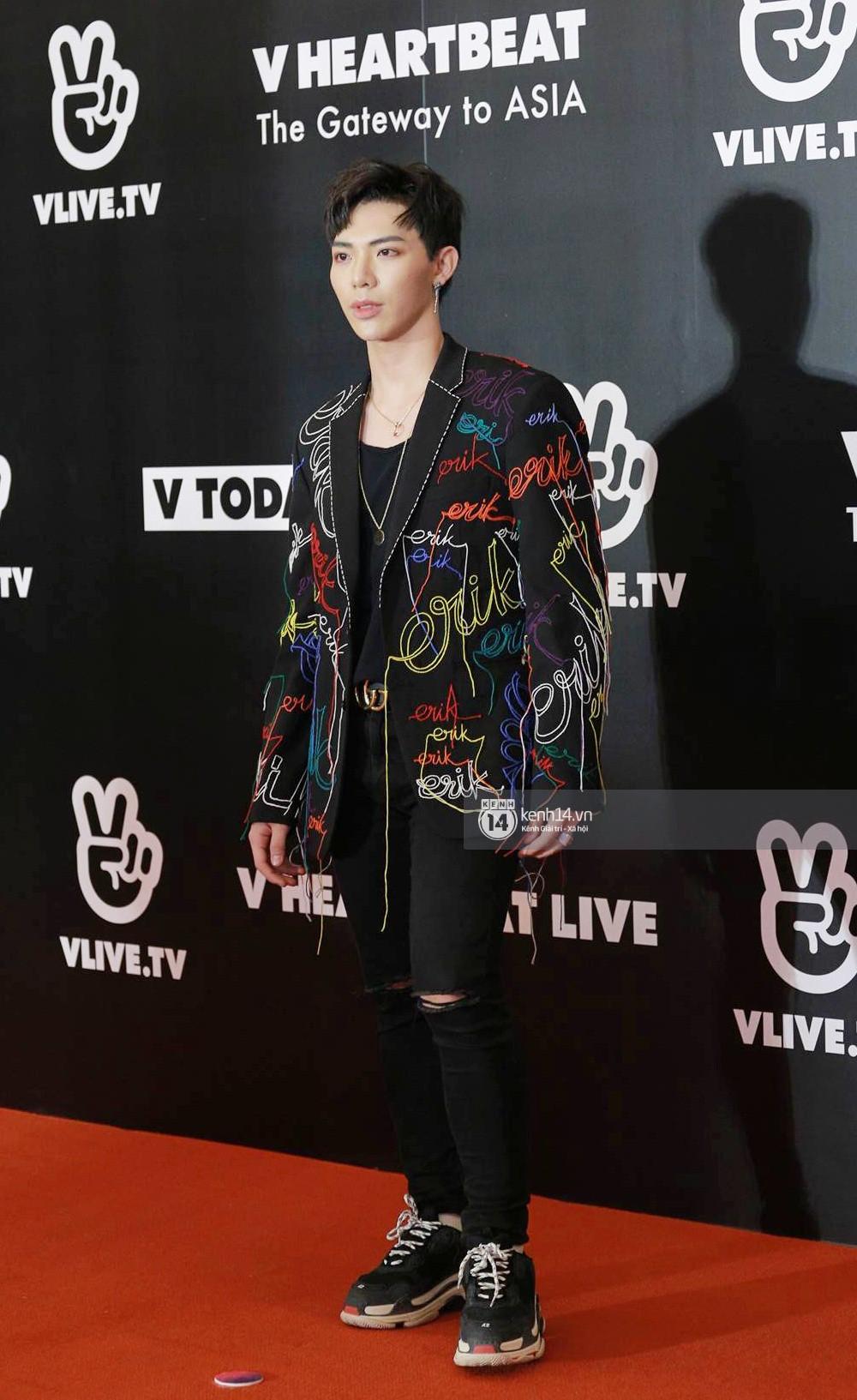 Thảm đỏ đêm nhạc Hàn-Việt: Jung Hae In, WINNER đẹp trai cực phẩm, Chi Pu và Hòa Minzy đọ sắc cùng loạt sao Việt - Ảnh 18.