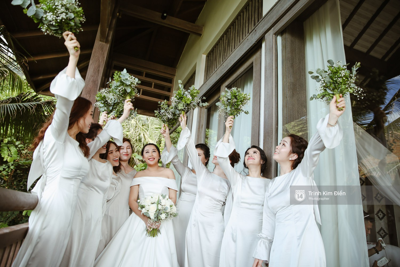 Gào rơi nước mắt trong lễ cưới sau 10 năm sống chung với chồng - Ảnh 6.