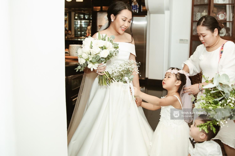 Gào rơi nước mắt trong lễ cưới sau 10 năm sống chung với chồng - Ảnh 3.
