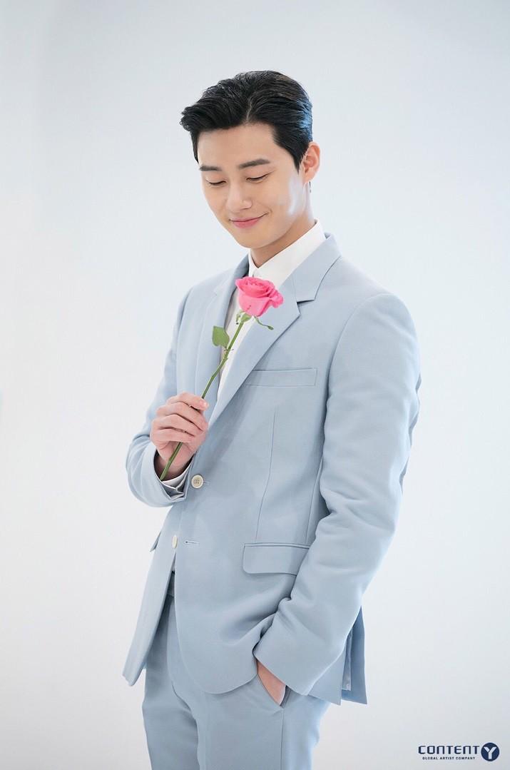 Park Seo Joon - nam thần không chỉ điển trai mà còn mặc đẹp từ phim đến đời thực - Ảnh 3.