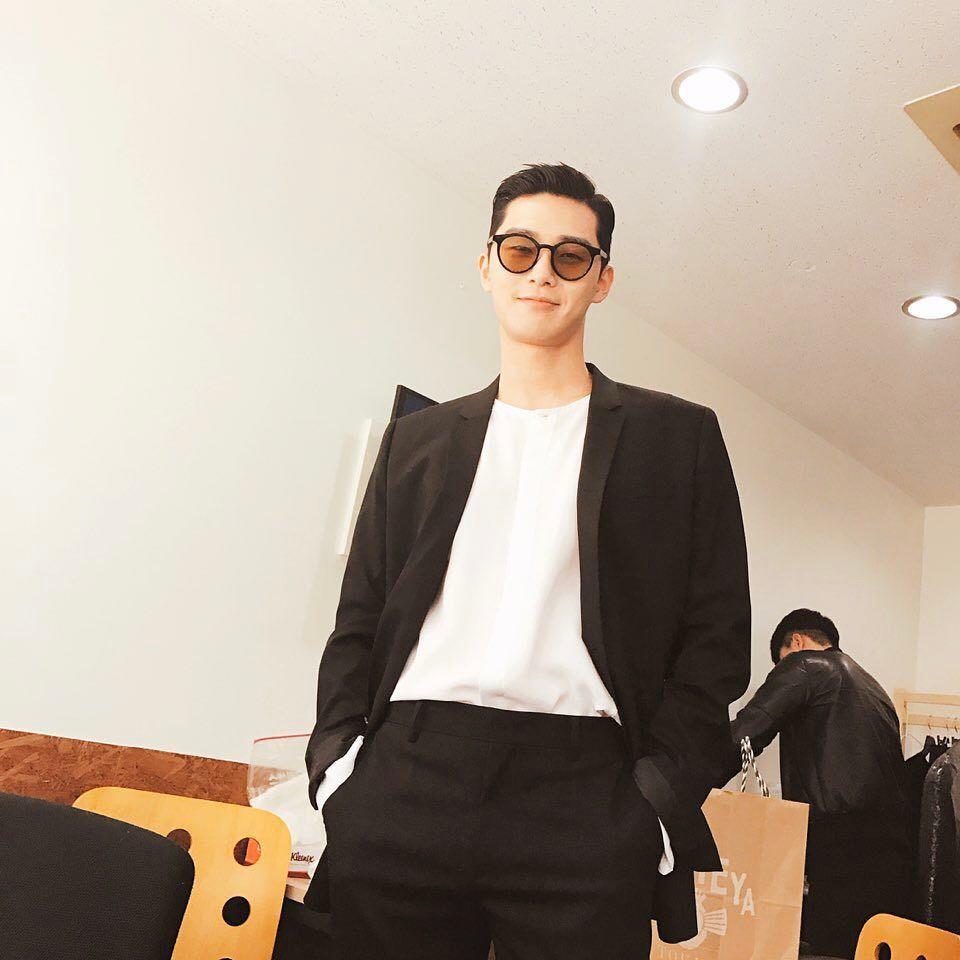 Park Seo Joon - nam thần không chỉ điển trai mà còn mặc đẹp từ phim đến đời thực - Ảnh 6.