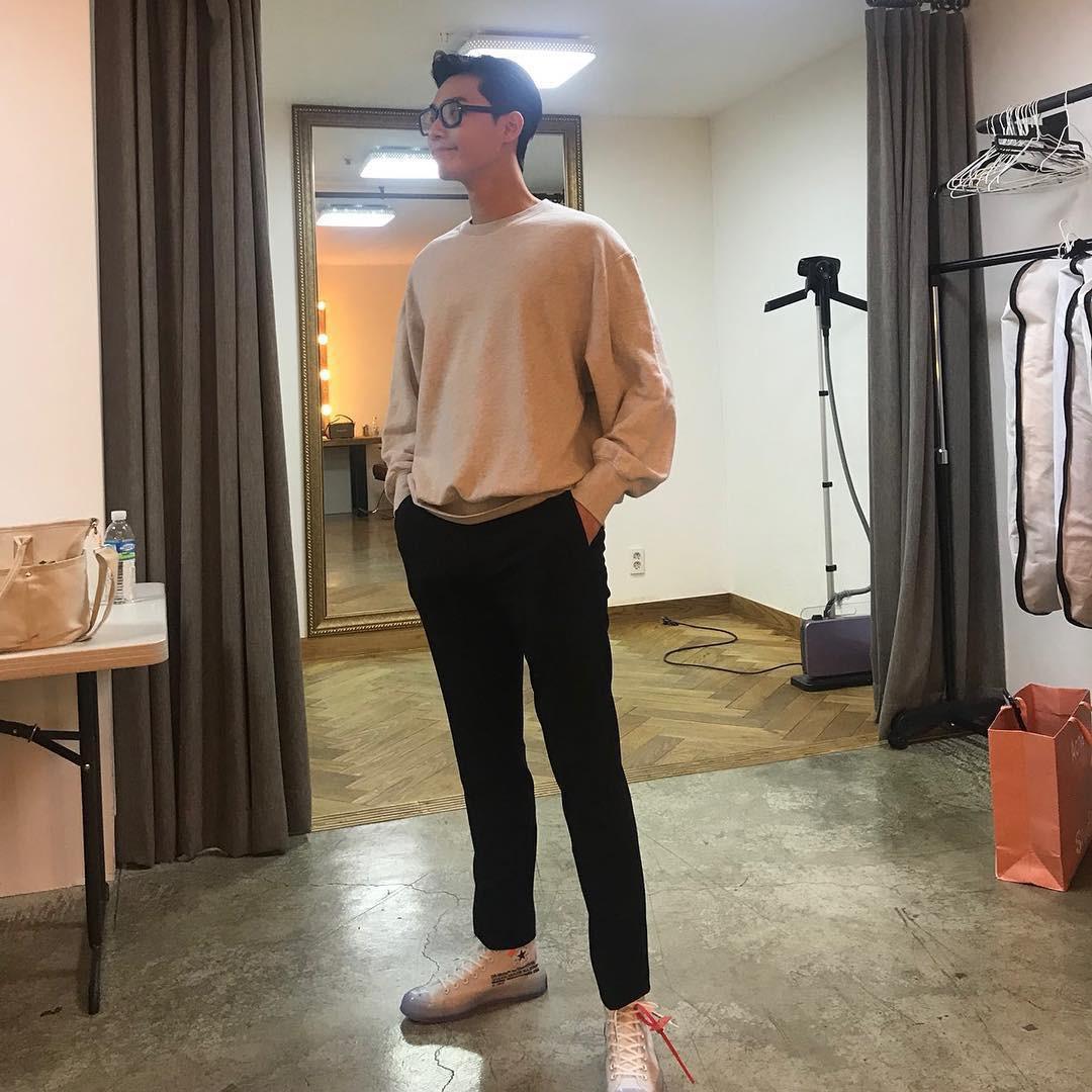 Park Seo Joon - nam thần không chỉ điển trai mà còn mặc đẹp từ phim đến đời thực - Ảnh 10.