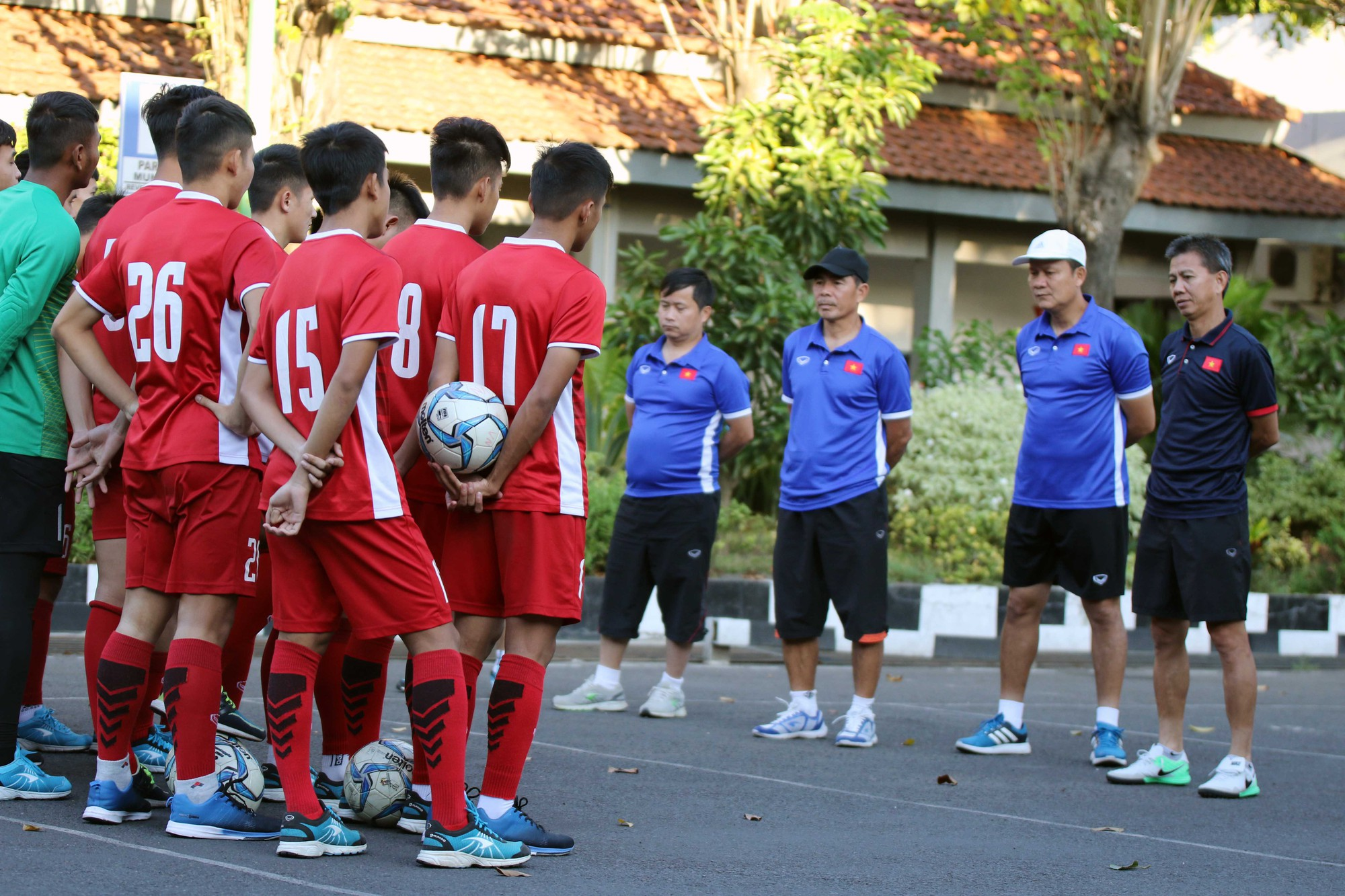 Đội chủ nhà làm khó U19 Việt Nam trước trận đấu quyết định - Ảnh 1.