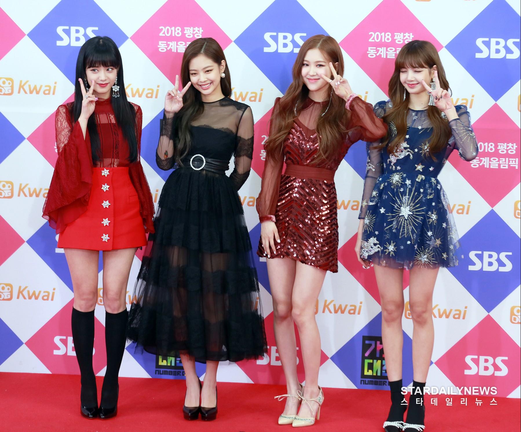 """Cho rằng Jennie luôn được mặc đồ nổi nhất nhóm, fan Black Pink lại tiếp tục """"khẩu chiến"""" tơi bời - Ảnh 12."""