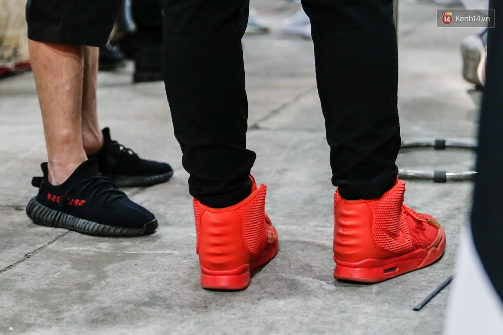 Sneaker Fest 2018 ở Sài Gòn ngập tràn các bạn trẻ chịu chơi và những mẫu sneaker hype cả trăm triệu đồng - Ảnh 4.