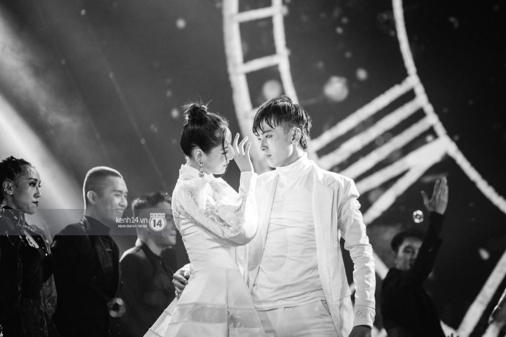 Chùm ảnh đẹp nhất trong show Hàn-Việt: WINNER, Jung Hae In, Noo Phước Thịnh cùng dàn nghệ sĩ Việt để lại chuỗi cảm xúc vỡ òa - Ảnh 13.