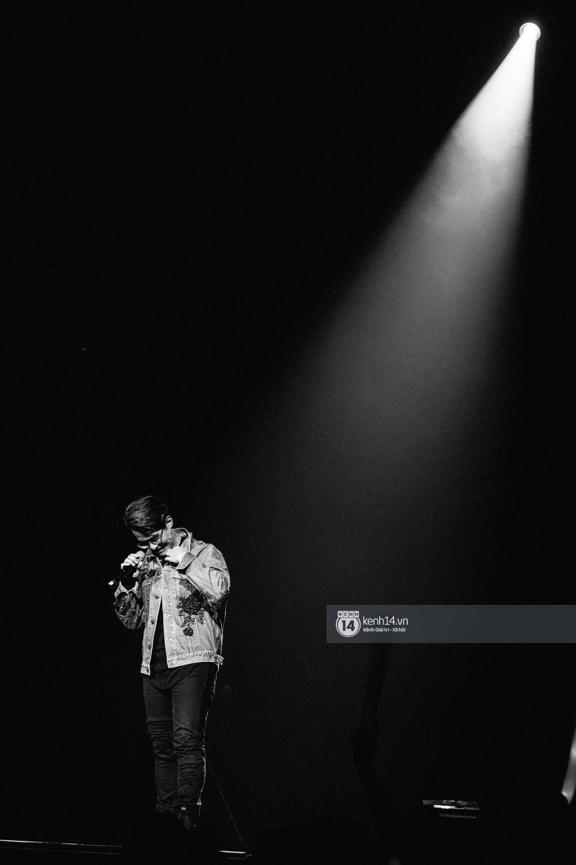 Chùm ảnh đẹp nhất trong show Hàn-Việt: WINNER, Jung Hae In, Noo Phước Thịnh cùng dàn nghệ sĩ Việt để lại chuỗi cảm xúc vỡ òa - Ảnh 29.