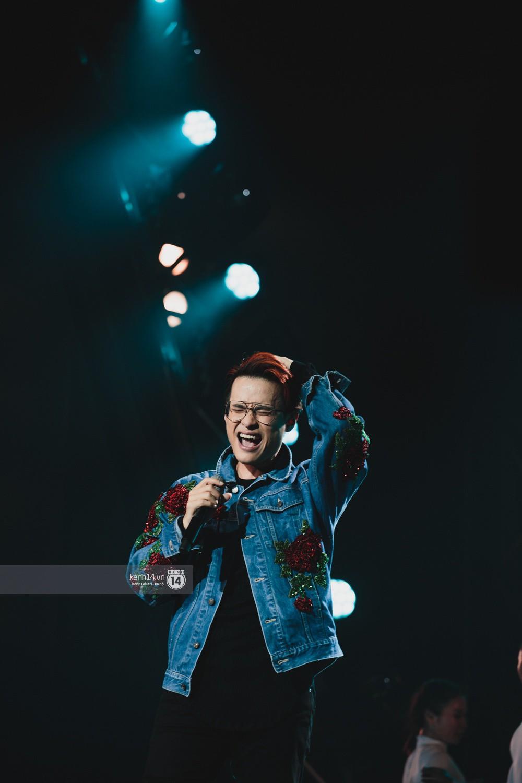 Chùm ảnh đẹp nhất trong show Hàn-Việt: WINNER, Jung Hae In, Noo Phước Thịnh cùng dàn nghệ sĩ Việt để lại chuỗi cảm xúc vỡ òa - Ảnh 36.