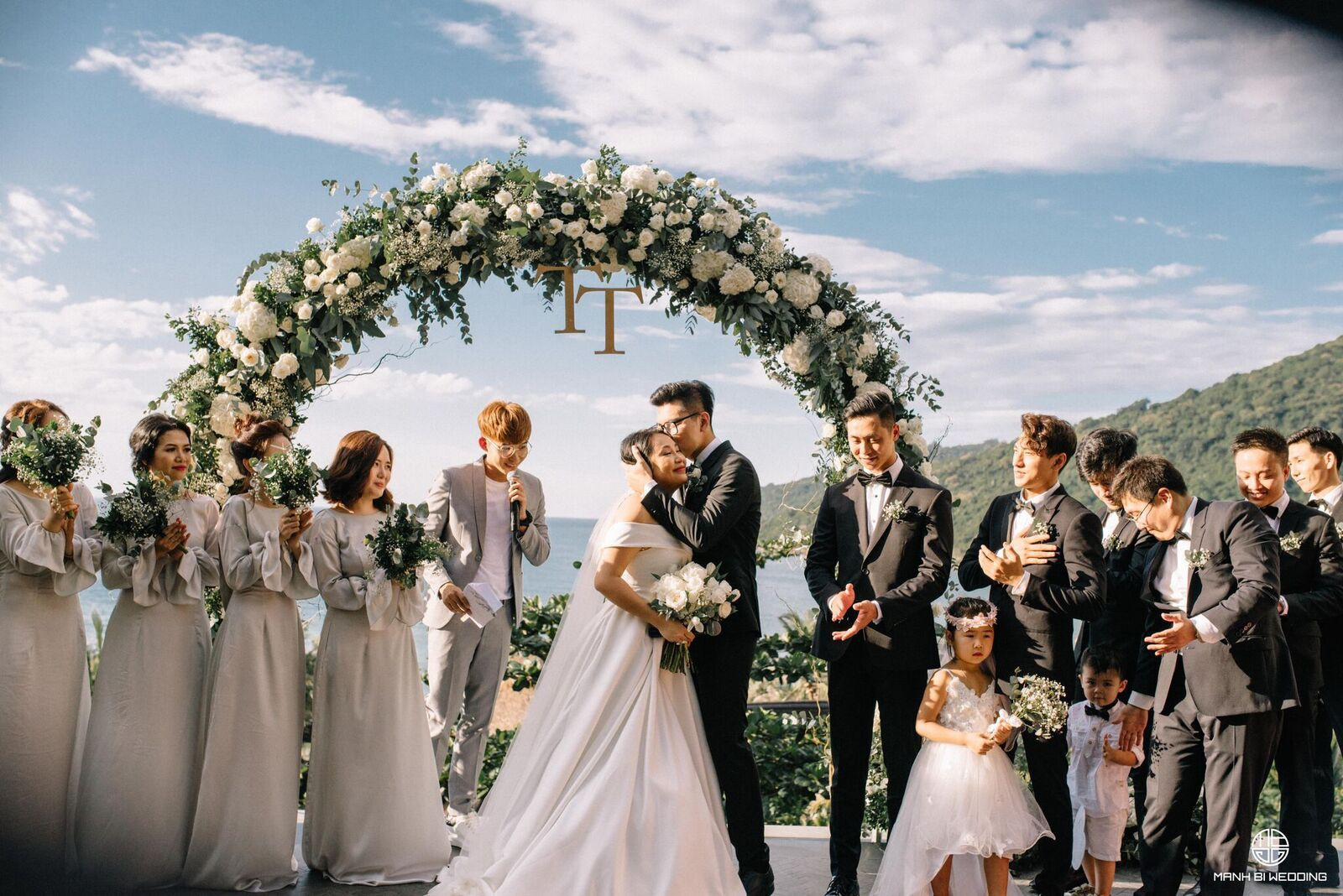Nhà văn Gào chia sẻ nhiều thông tin thú vị về đám cưới như mơ ngay sau tiệc cưới hoành tráng trên bờ biển - Ảnh 14.