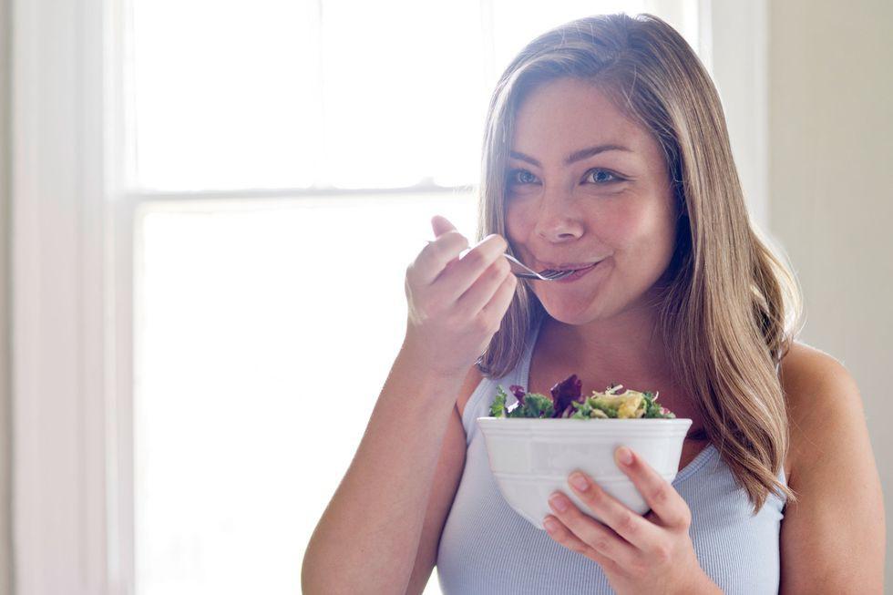 Áp dụng chế độ ăn Keto giàu chất béo ít carb để giảm cân thì đừng quên lưu ý về 6 tác dụng phụ này - Ảnh 4.