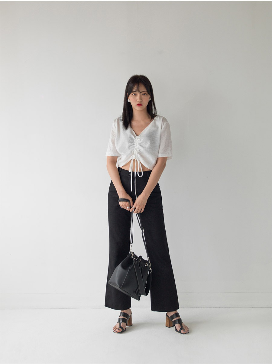 Chỉ với chi tiết dây buộc đơn giản mà có ít nhất 4 kiểu áo trendy, diện lên siêu xinh và tôn dáng - Ảnh 5.