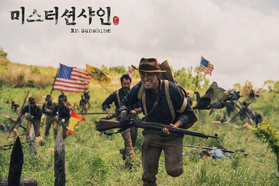 Bom tấn mới của mẹ đẻ Hậu Duệ Mặt Trời: Cuộc lãng phí tài lực khủng khiếp của đài tvN - Ảnh 3.