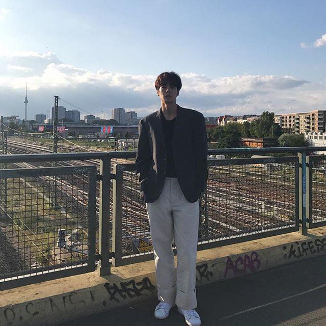 Cao ráo đẹp trai lại còn mặc cool, bảo sao con gái cả Hàn Quốc coi chàng mẫu nam này là tiêu chuẩn trong mơ - Ảnh 7.