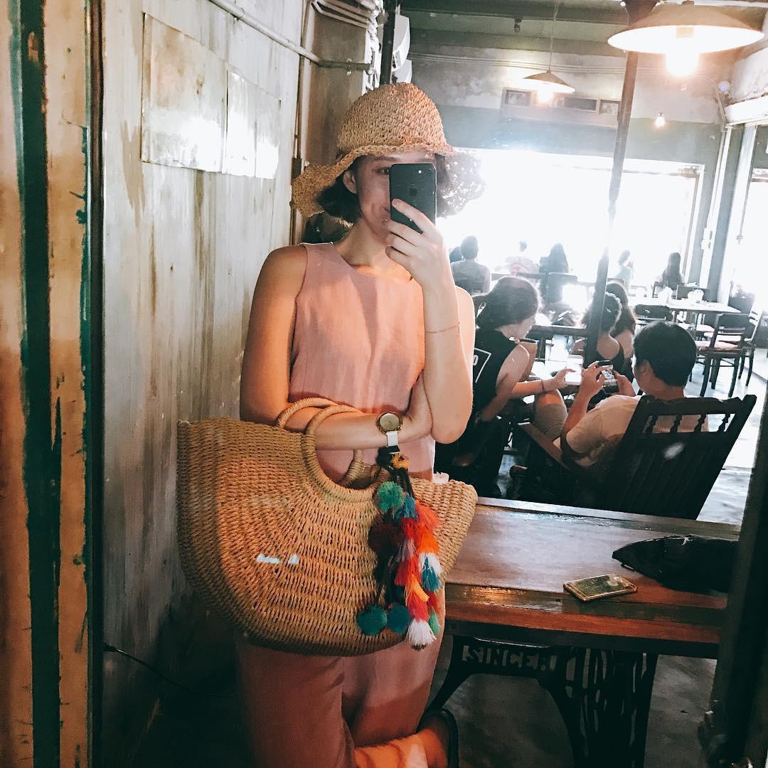 Trai xinh gái đẹp Seoul nô nức check-in tại quán Cộng cà phê đầu tiên ở Hàn Quốc - Ảnh 4.