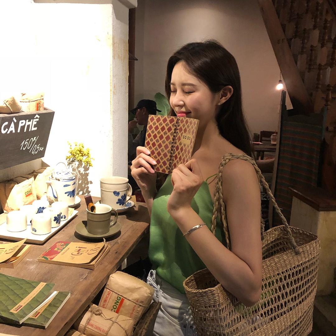 Trai xinh gái đẹp Seoul nô nức check-in tại quán Cộng cà phê đầu tiên ở Hàn Quốc - Ảnh 7.