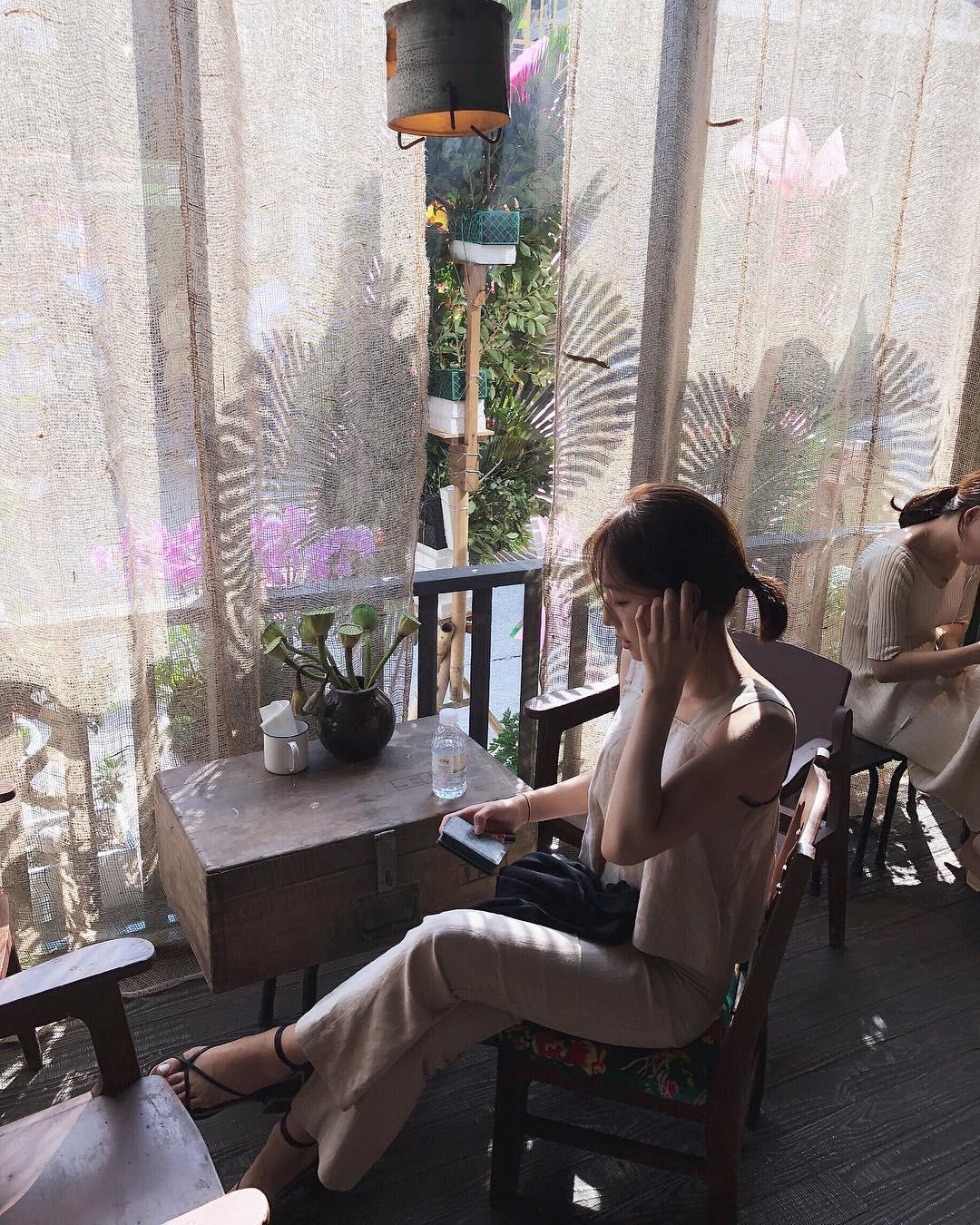 Trai xinh gái đẹp Seoul nô nức check-in tại quán Cộng cà phê đầu tiên ở Hàn Quốc - Ảnh 2.