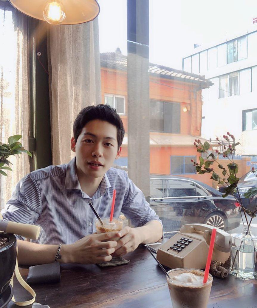 Trai xinh gái đẹp Seoul nô nức check-in tại quán Cộng cà phê đầu tiên ở Hàn Quốc - Ảnh 17.