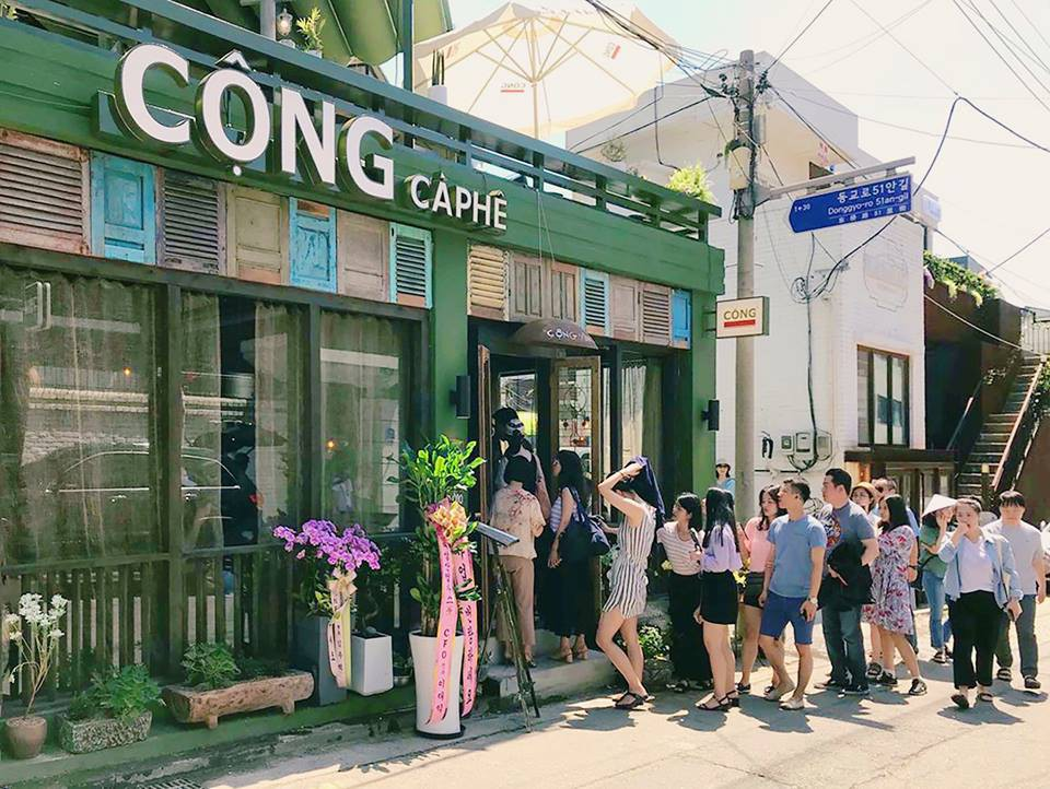 Trai xinh gái đẹp Seoul nô nức check-in tại quán Cộng cà phê đầu tiên ở Hàn Quốc - Ảnh 8.