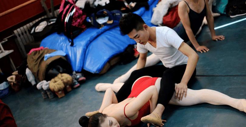 Sự khắc nghiệt đến đáng sợ bên trong những ngôi trường Nghệ thuật tại Trung Quốc - Ảnh 4.