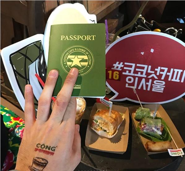 Trai xinh gái đẹp Seoul nô nức check-in tại quán Cộng cà phê đầu tiên ở Hàn Quốc - Ảnh 6.