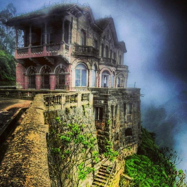 Hotel Del Salto: Khách sạn bỏ hoang từng được giới thượng lưu yêu thích, giờ trở thành địa điểm tự sát vì một truyền thuyết lạ - Ảnh 3.