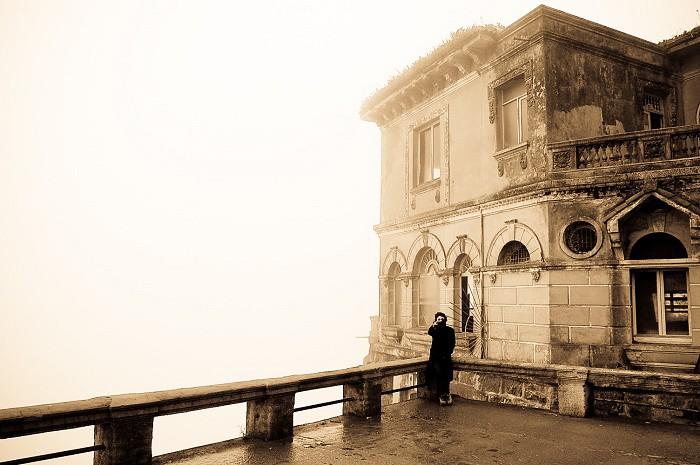 Hotel Del Salto: Khách sạn bỏ hoang từng được giới thượng lưu yêu thích, giờ trở thành địa điểm tự sát vì một truyền thuyết lạ - Ảnh 5.
