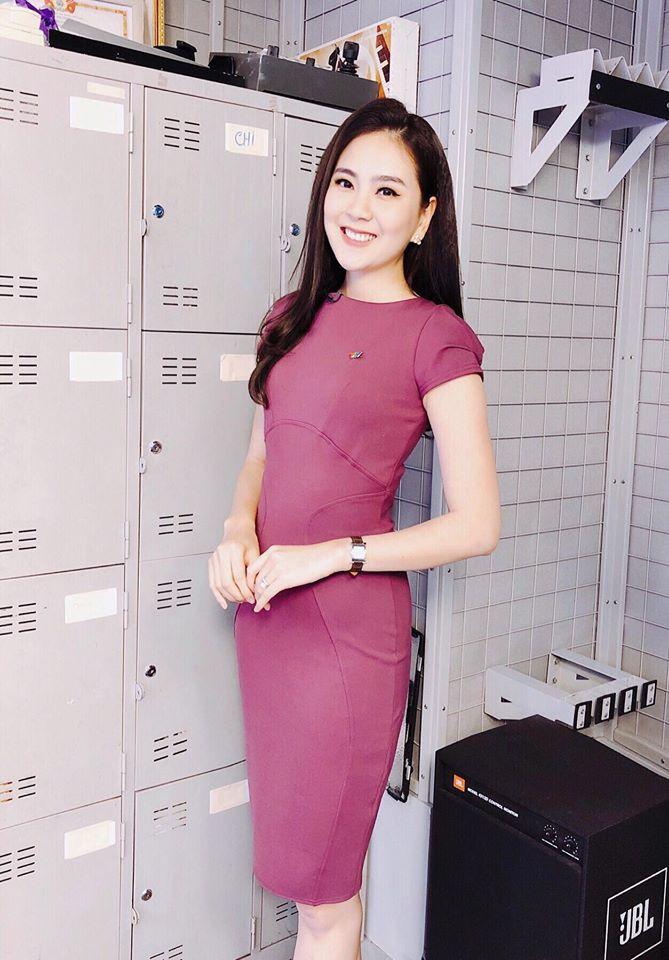"""Không cần xem """"thư ký Kim"""", bạn có thể học ngay cô gái thời tiết Mai Ngọc cách diện đồ công sở đẹp miễn chê - Ảnh 11."""