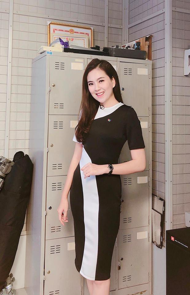 """Không cần xem """"thư ký Kim"""", bạn có thể học ngay cô gái thời tiết Mai Ngọc cách diện đồ công sở đẹp miễn chê - Ảnh 13."""