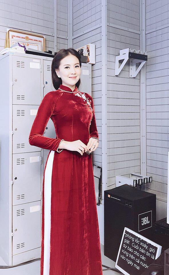 """Không cần xem """"thư ký Kim"""", bạn có thể học ngay cô gái thời tiết Mai Ngọc cách diện đồ công sở đẹp miễn chê - Ảnh 16."""