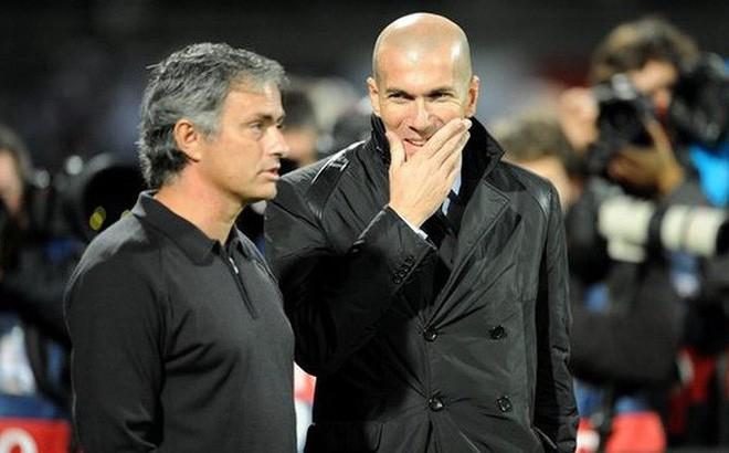 Chán nản với Mourinho, Man United cầu viện Zidane - Ảnh 1.