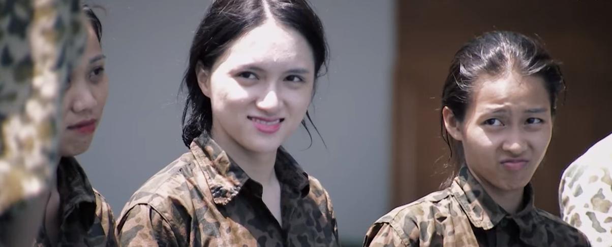 Dàn sao nữ Hàn Quốc & Việt Nam khi đi nhập ngũ: Ai để mặt mộc thực sự? - Ảnh 15.