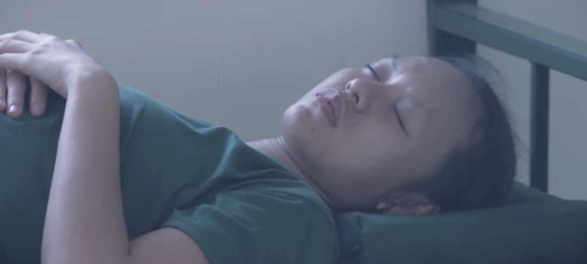 Dàn sao nữ Hàn Quốc & Việt Nam khi đi nhập ngũ: Ai để mặt mộc thực sự? - Ảnh 12.