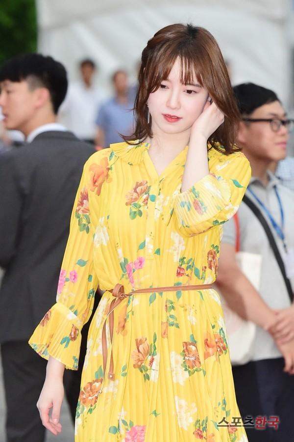 Goo Hye Sun giảm cân trong 1 tháng, lột xác ngoạn mục trên thảm đỏ- Ảnh 7