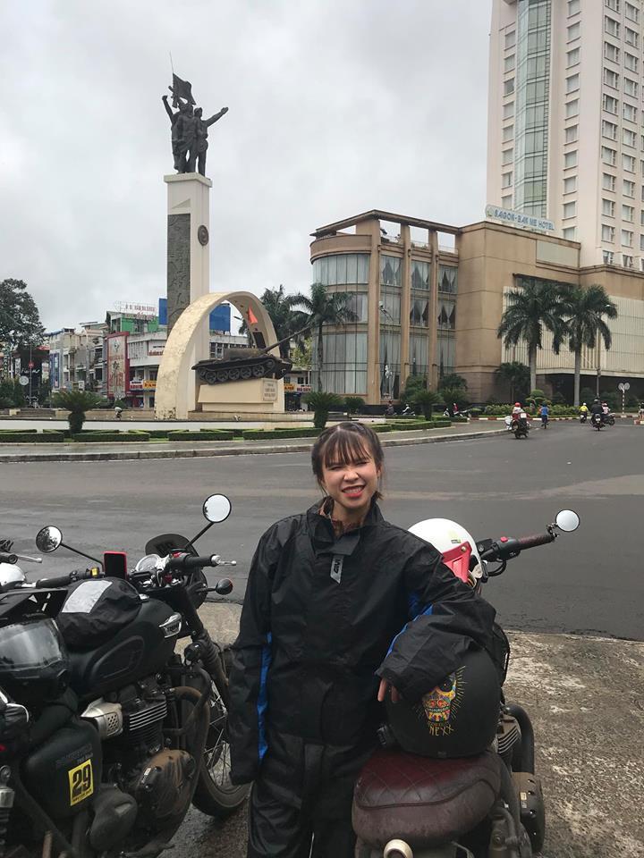 Chịu chơi như vợ chồng Khởi My - Kelvin Khánh, sẵn sàng chạy mô tô vài trăm km đi phượt - Ảnh 2.