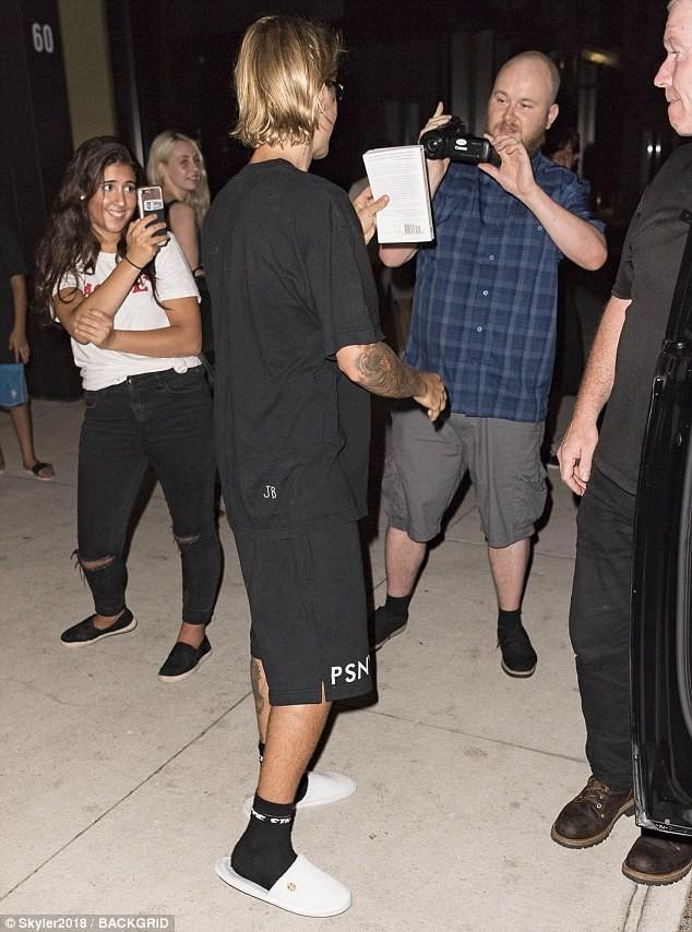 Justin Bieber lý giải nguyên nhân đằng sau loạt ảnh bỗng dưng muốn khóc gây xôn xao - Ảnh 3.