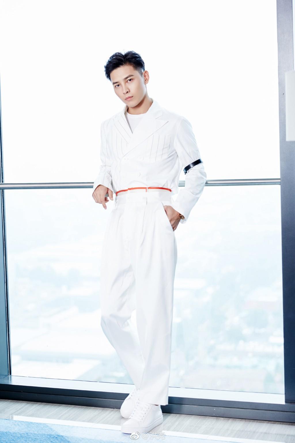 Bạn có nhận ra chàng bad boy của Diên Hi Công Lược trong show hẹn hò nổi tiếng nhất Trung Quốc? - Ảnh 2.