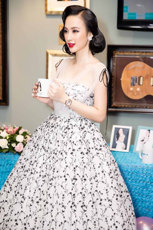 Liên tục thay đổi phong cách, Angela Phương Trinh hoá tiểu thư kiêu kì dự sự kiện - Ảnh 5.