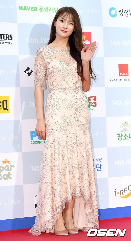 Goo Hye Sun giảm 10 kg trong 1 tháng, lột xác ngoạn mục trên thảm đỏ - Ảnh 13.