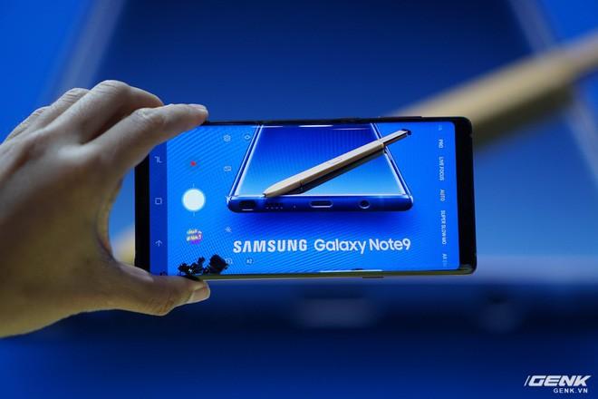 Ảnh thực tế Galaxy Note 9 vừa mới ra mắt: Có những gì đỉnh hơn người tiền nhiệm Note 8? - Ảnh 25.