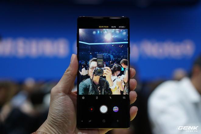 Ảnh thực tế Galaxy Note 9 vừa mới ra mắt: Có những gì đỉnh hơn người tiền nhiệm Note 8? - Ảnh 26.