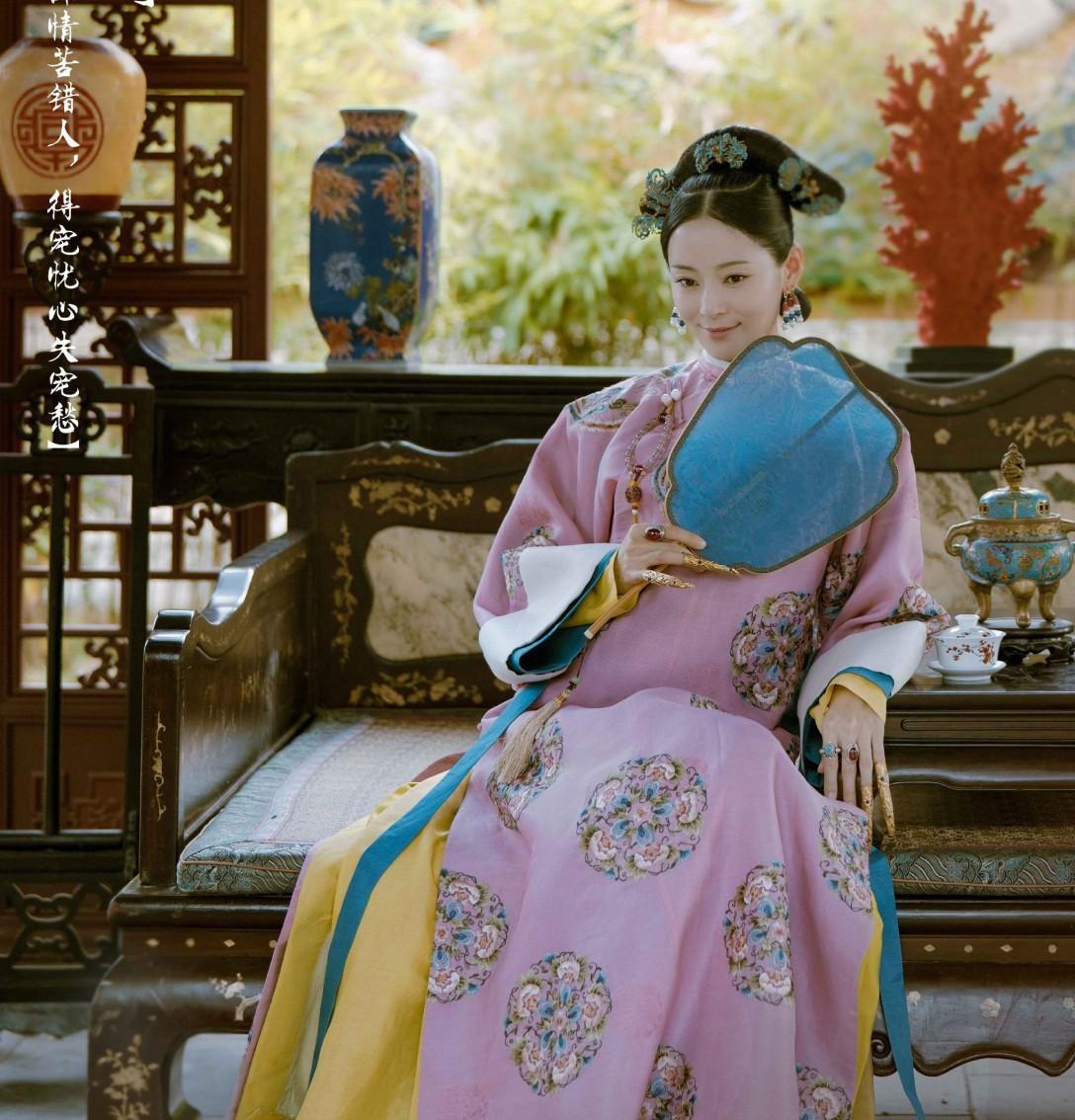 Nhan sắc cùng phong cách ngoài đời thực của 6 nàng Phi tần trong phim Diên hi công lược - Ảnh 19.