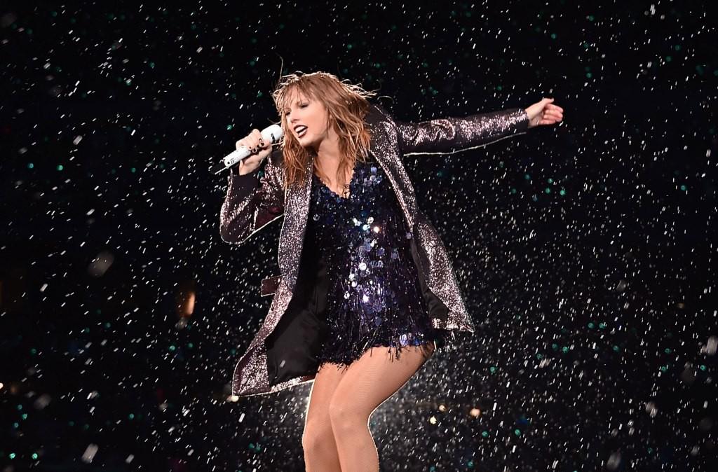 Katy Perry vượt mặt Taylor Swift trở thành nữ nghệ sĩ được theo dõi nhiều nhất trên Youtube - Ảnh 4.