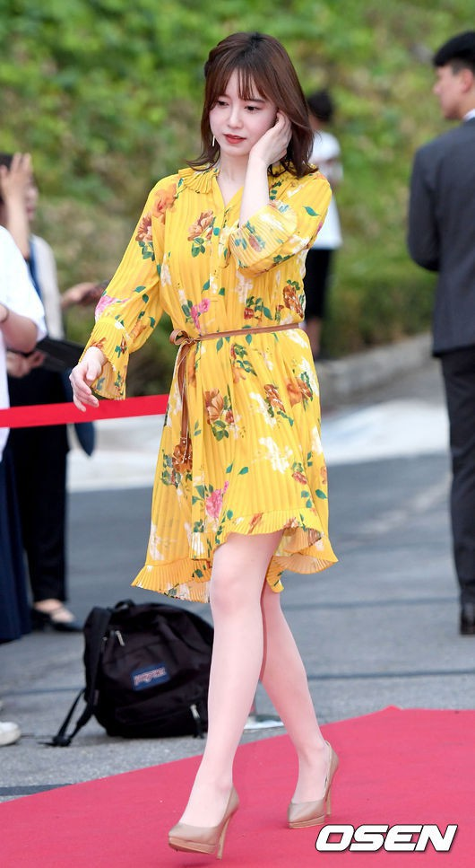 Giảm cân thành công nhưng Goo Hye Sun vẫn kém đẹp chỉ vì thói quen này khi diện váy ngắn - Ảnh 2.