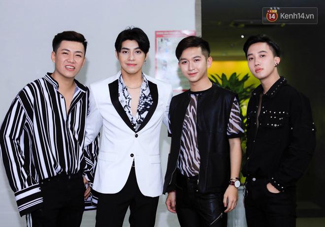 """Noo Phước Thịnh úp mở kế hoạch kỉ niệm 10 năm ca hát, cùng học trò """"The Voice 2018"""" bùng nổ trong đêm nhạc ở thủ đô - Ảnh 11."""