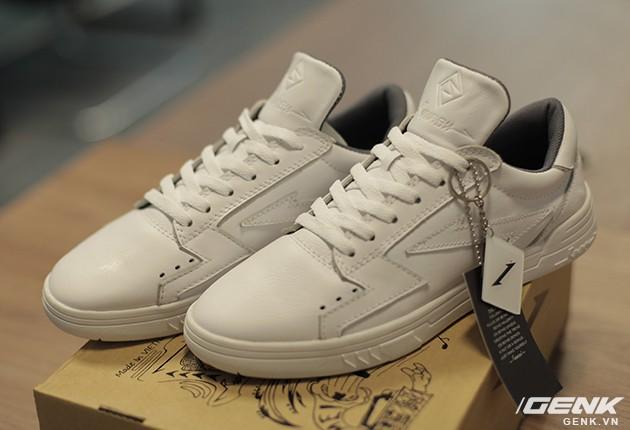 Sau 2 năm, mẫu giày thương hiệu Việt do 9x Đà Nẵng tự thiết kế & sản xuất đã thay đổi như thế nào? - Ảnh 1.