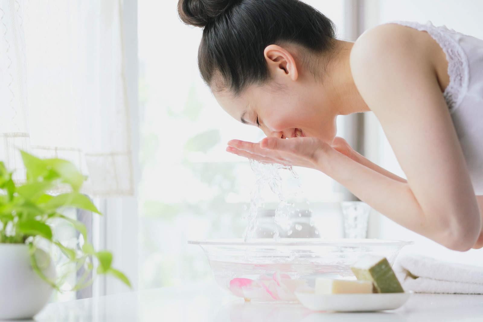 6 nguyên tắc chăm sóc da được con gái Hàn thực hiện mỗi ngày để có được làn da luôn tươi trẻ - Ảnh 1.